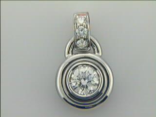 LADIES PENDANT 18K  w/0.50ct G/SI1 DIAMOND