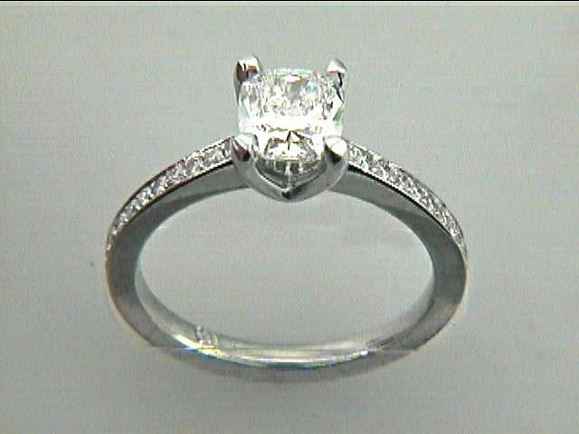 RING PLATINUM w/0.20CT DIAMONDS (center extra)